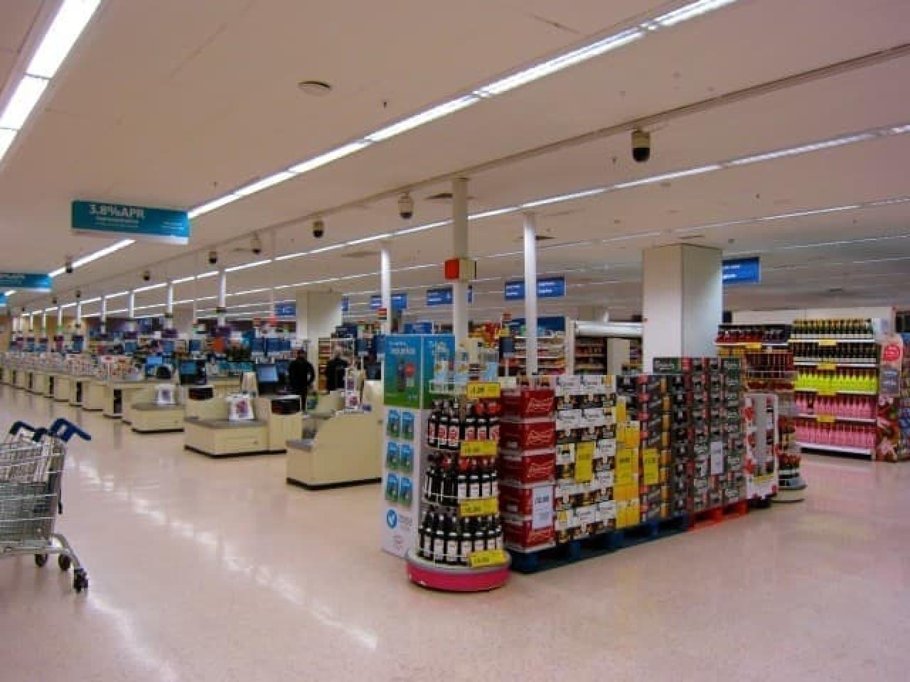 スーパーの店内写真
