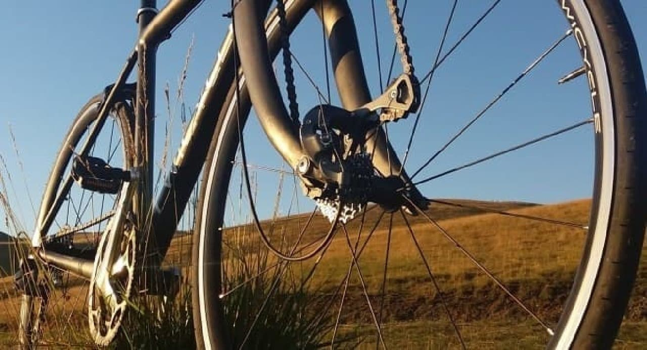 足だけでなく、手でも漕げる自転車「TwiCycle」