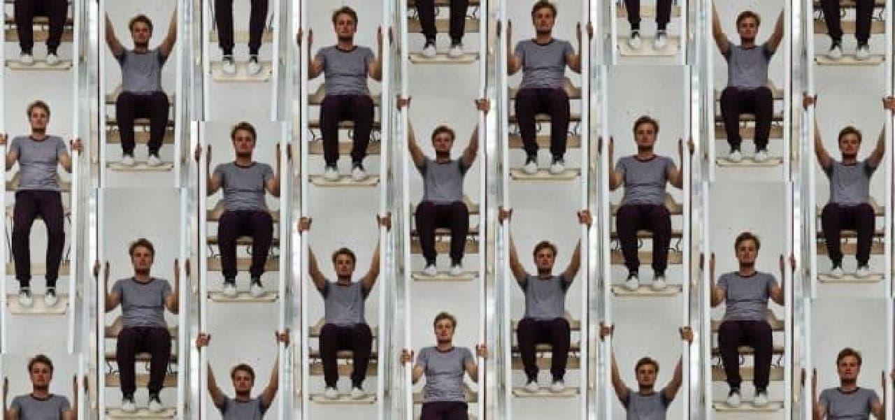尺取り虫のように上る人力エレベーター「Vertical walking」