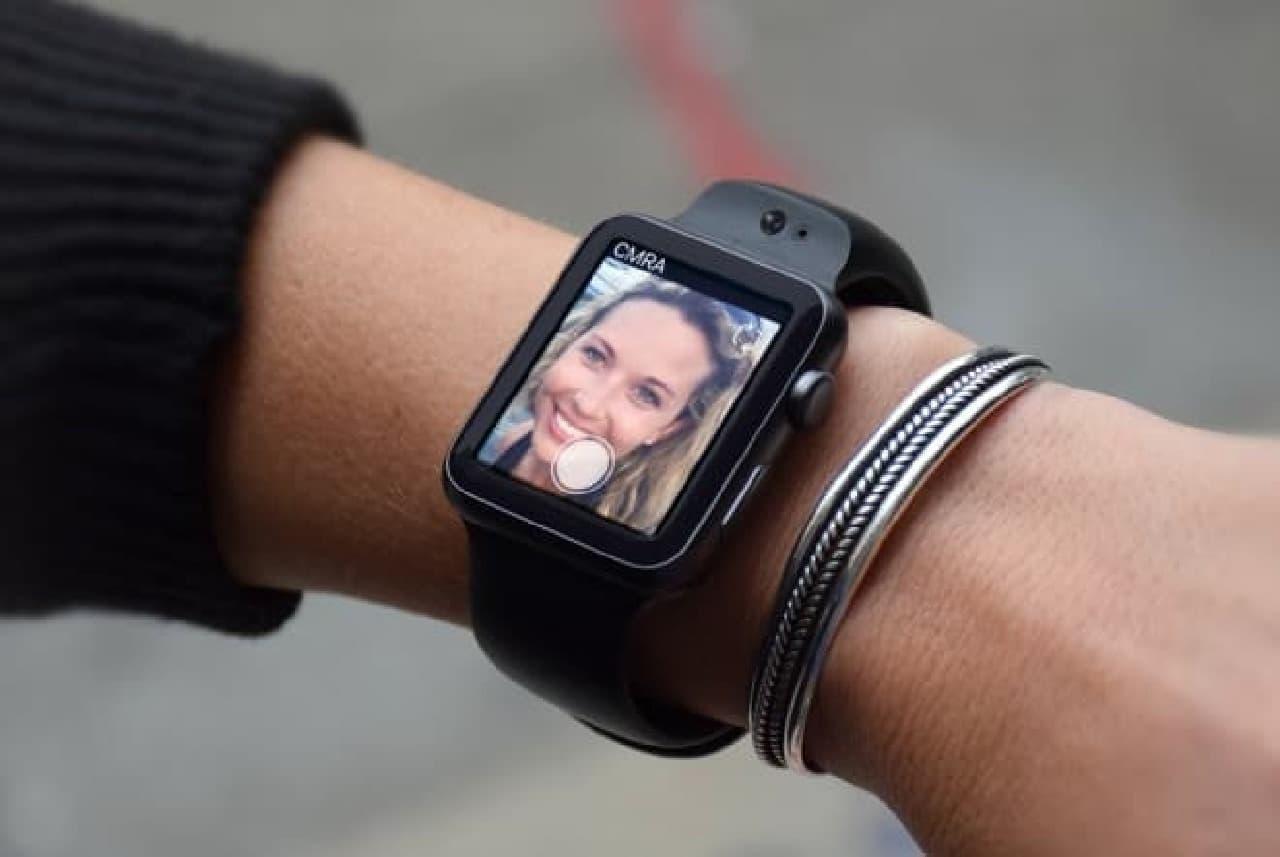 pple Watchにカメラ機能を追加するバンド「CMRA」