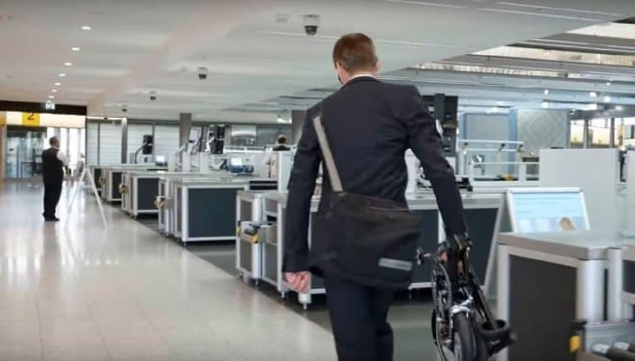 """""""飛行機に手荷物として持ち込める""""折り畳み自転車「KWIGGLE BIKE」、製品化目前"""