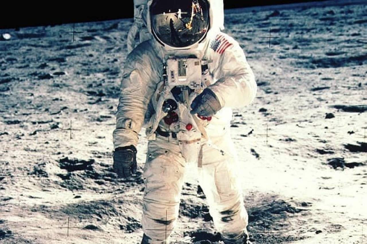 アポロ11号のソースコードのイメージ