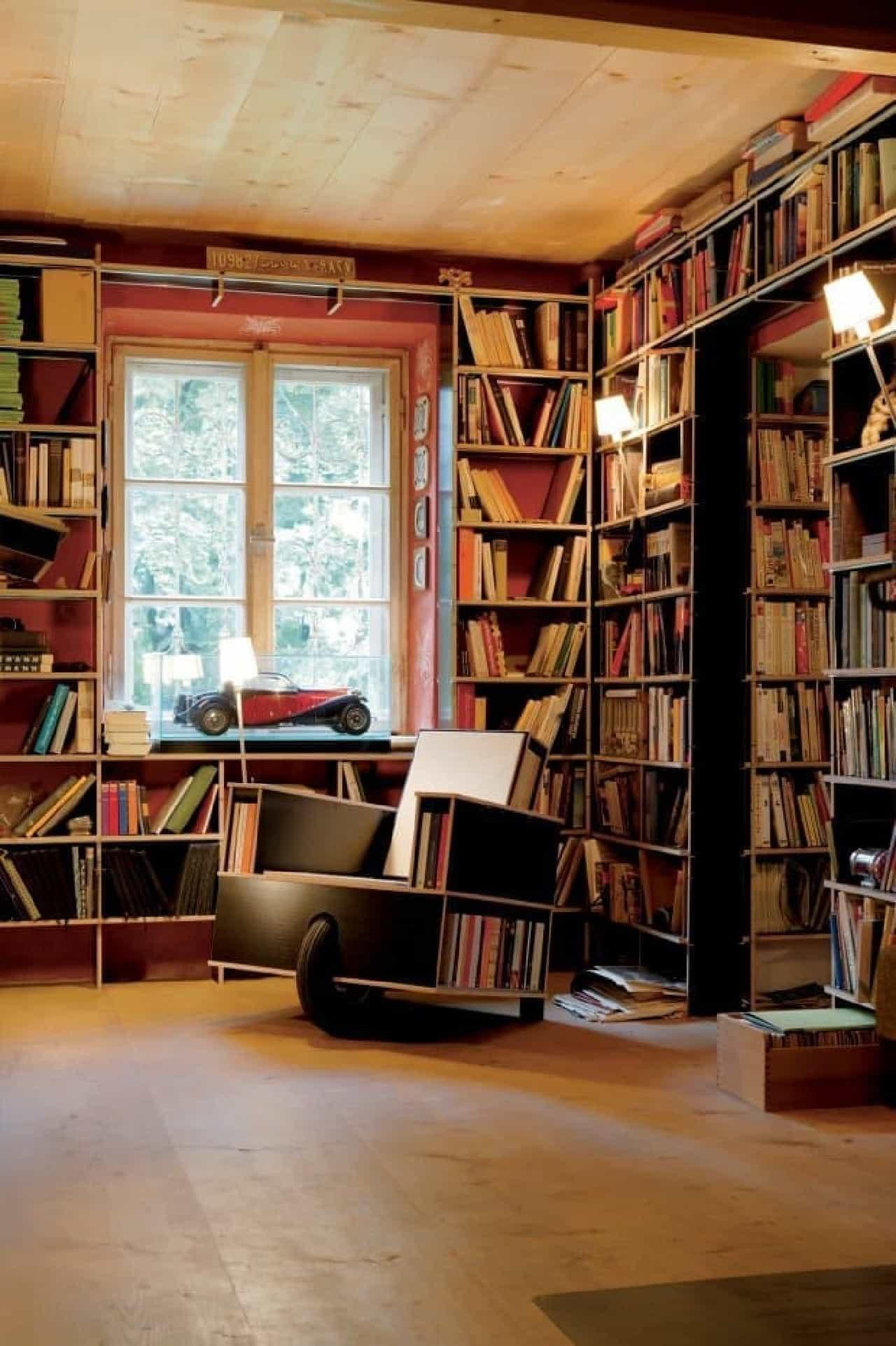 本を読むために作られたソファ「Bookinist」