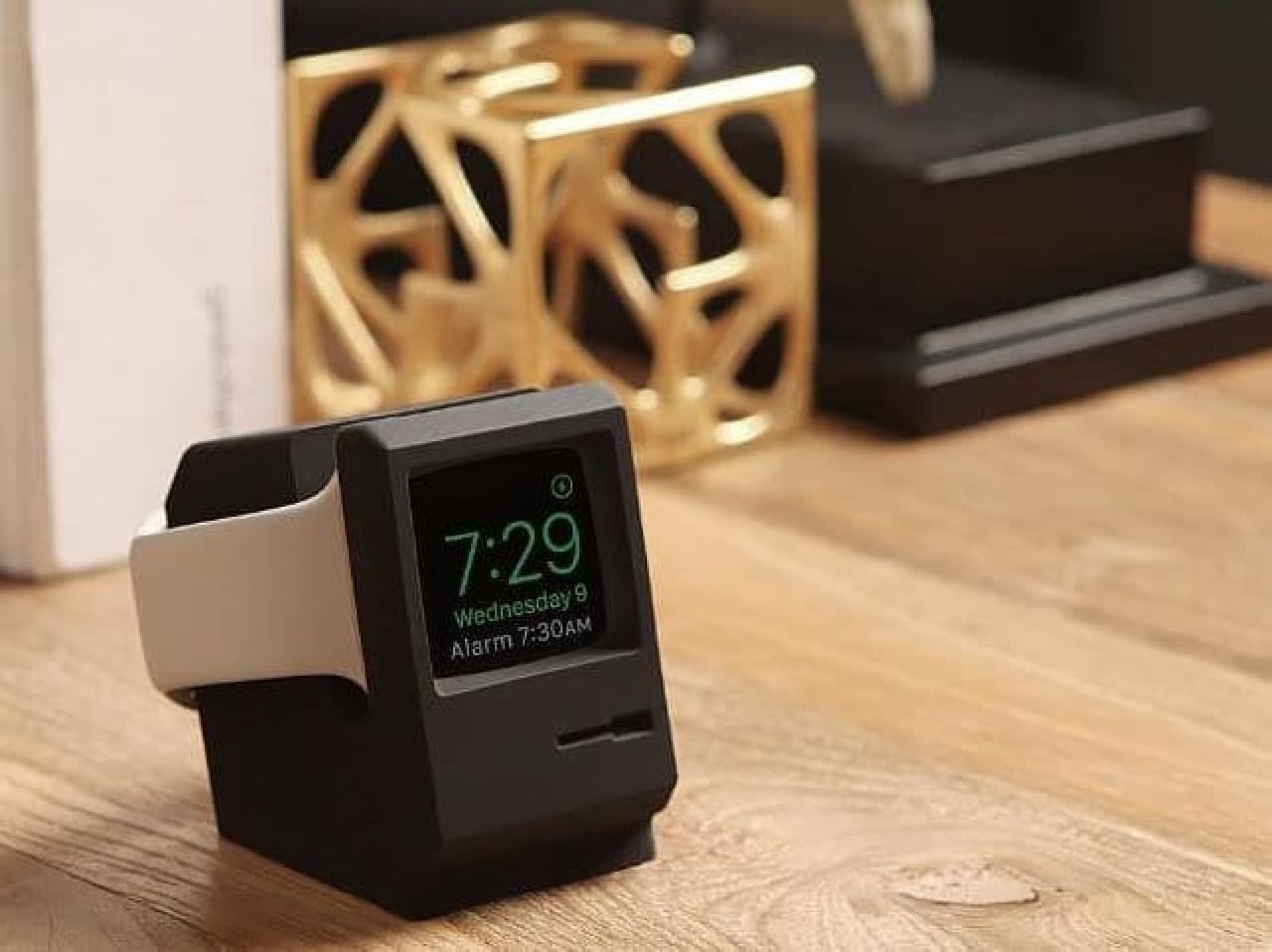 elagoの「W3 STAND FOR APPLE WATCH 1 & 2」