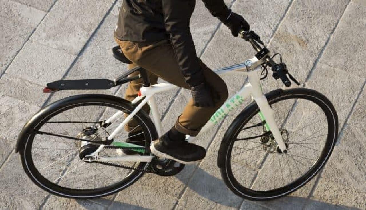 """""""充電不要全部入り""""自転車「Volata」に、クロスバイクモデル「Model 1c」"""