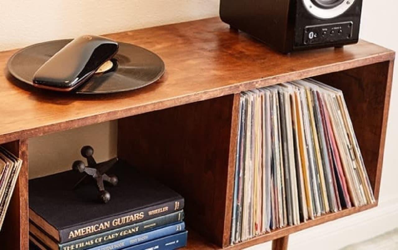 レコードではなくアームを回すレコードプレーヤー「LOVE」