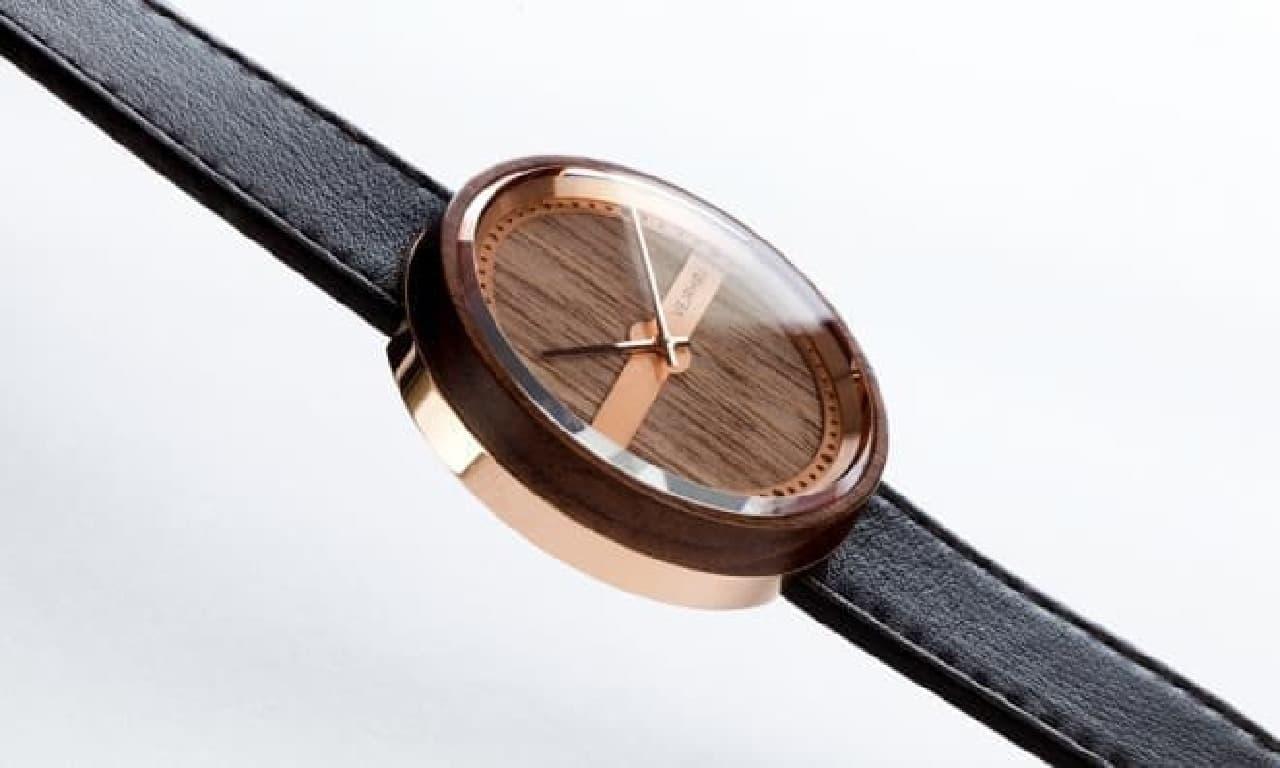 木製の腕時計イメージ