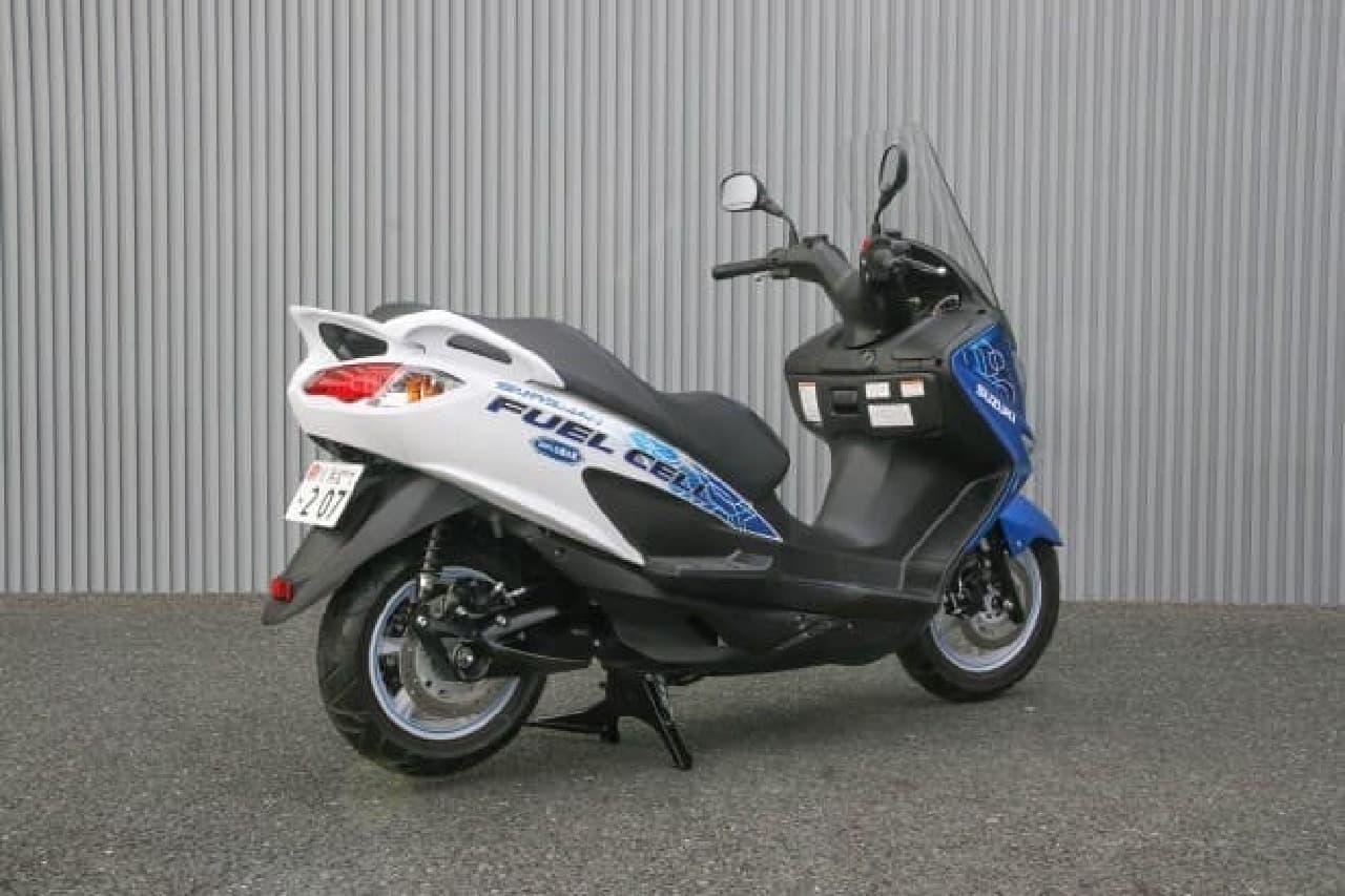 燃料電池バイクのリア