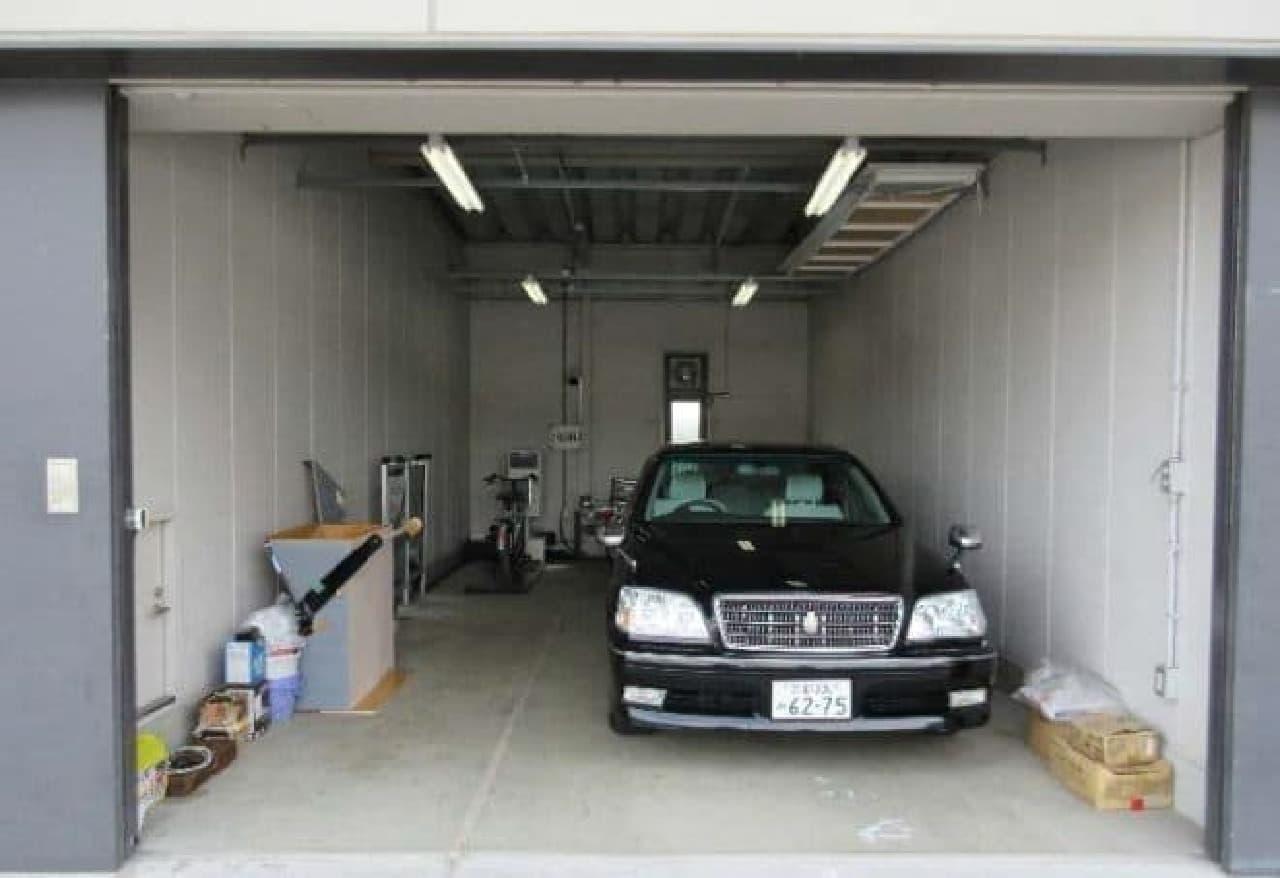 町役場の公用ガレージ