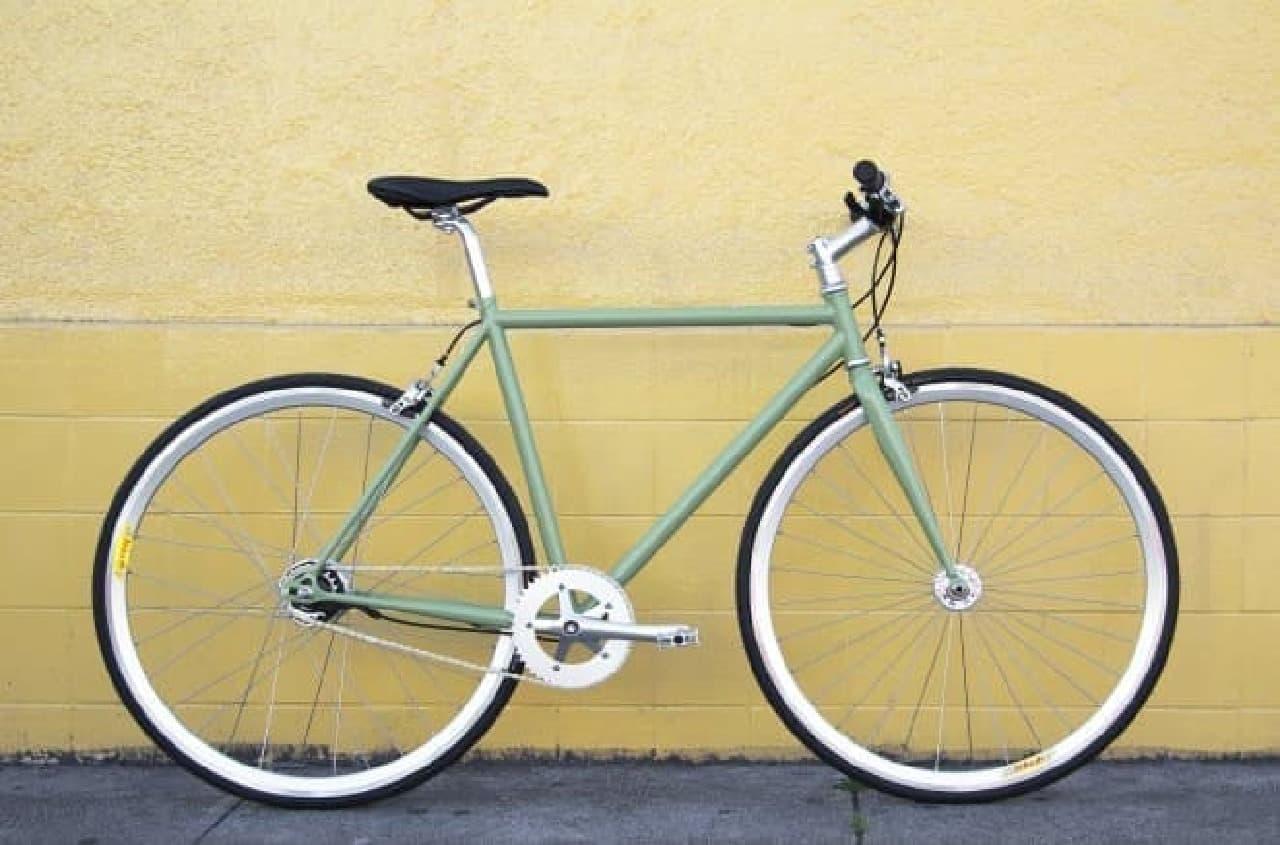 自転車通勤用に開発された「Lyra」