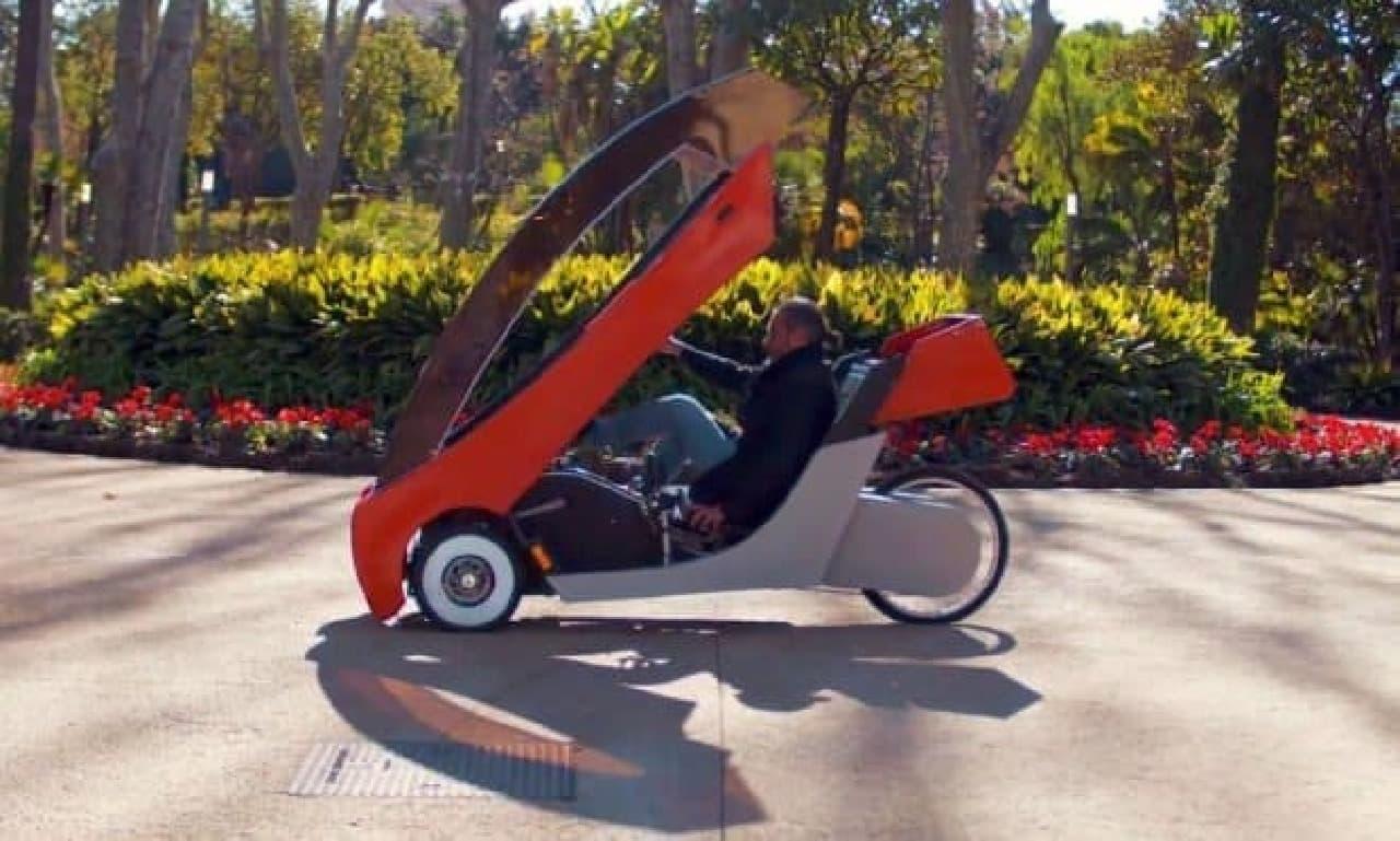 """屋根付きの自転車「Barbagallo X01」―""""夢のクルマ""""を目指して"""
