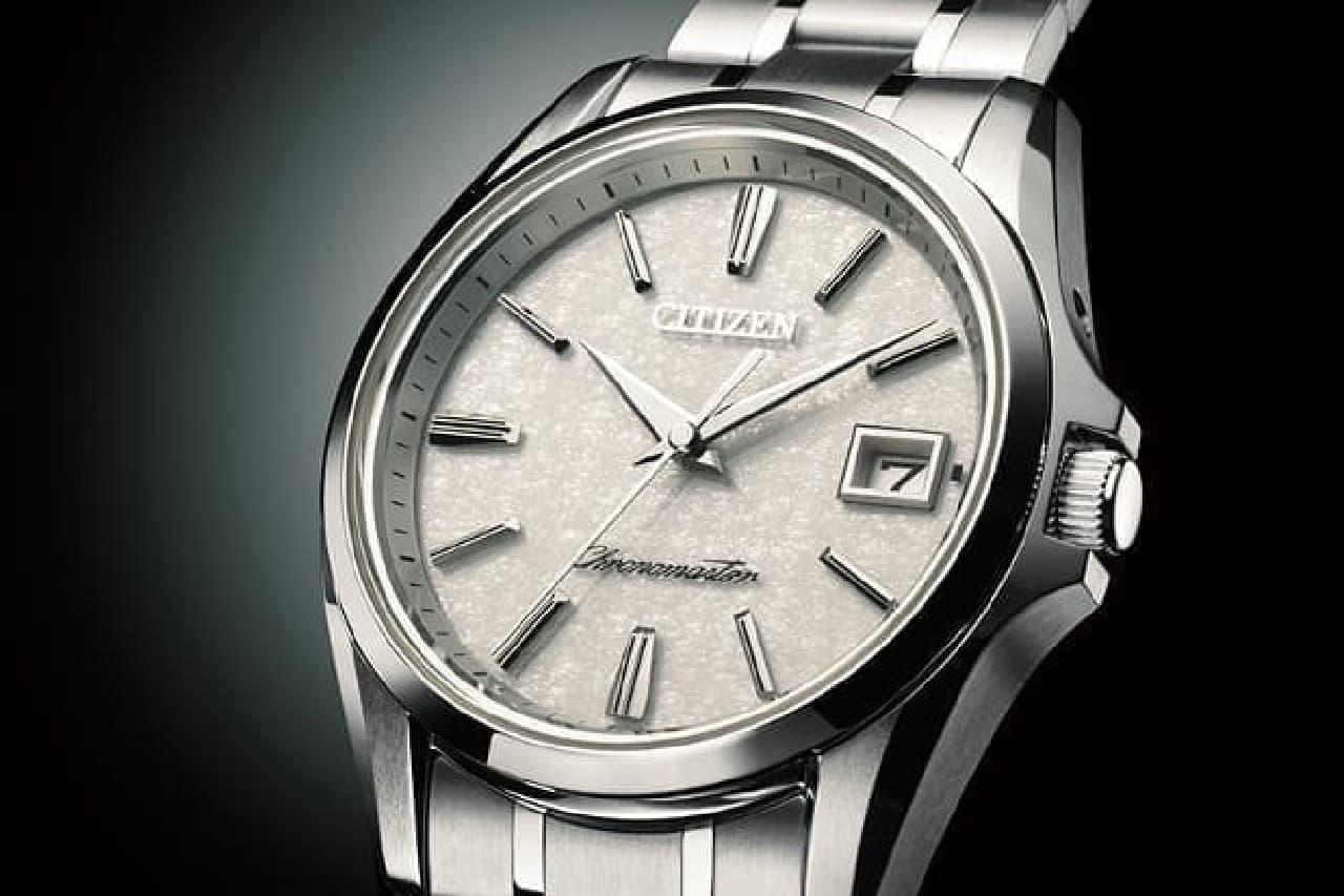 和紙の文字盤の腕時計