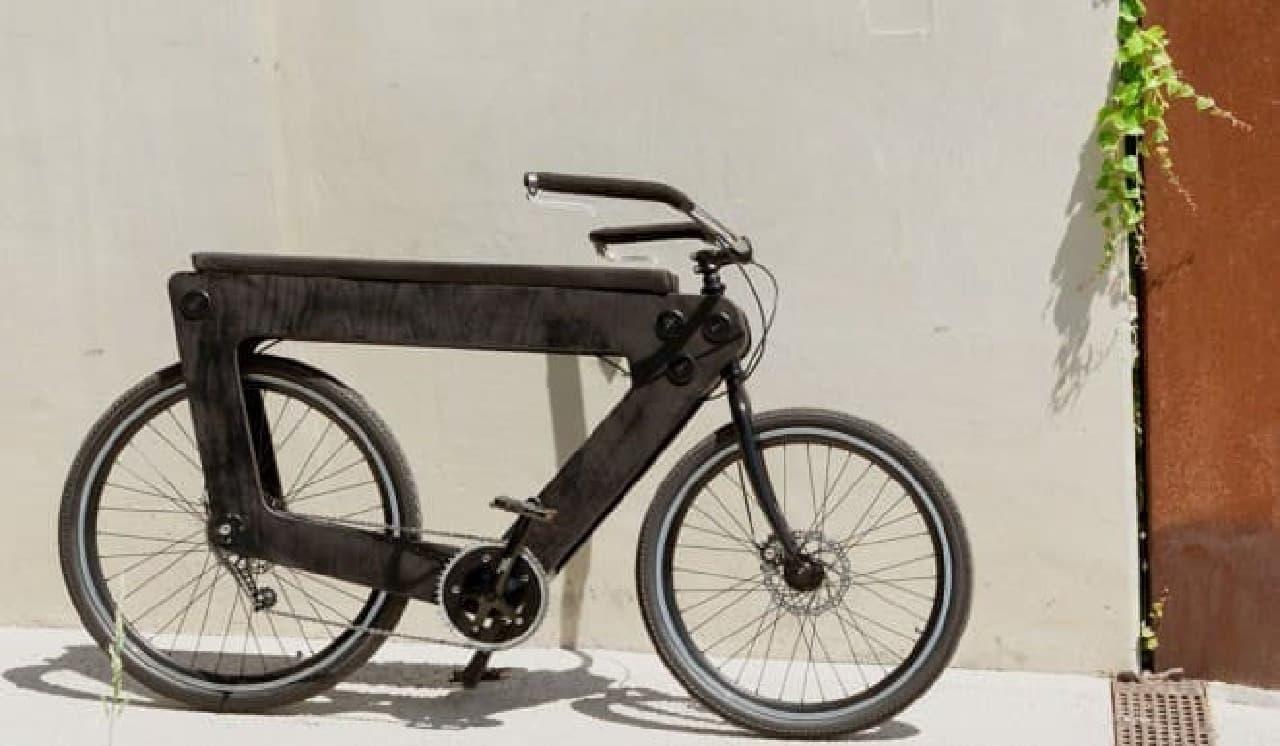 究極のシティバイクを目指す自転車「REVO」