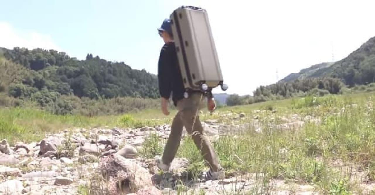 キャンパー用のスーツケース「キャンパーノ・コロコーロ」
