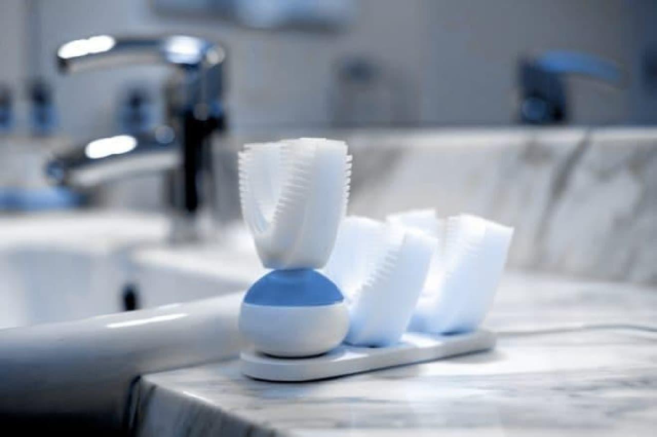全部の歯を同時に磨く電動歯ブラシ「Amabrush」