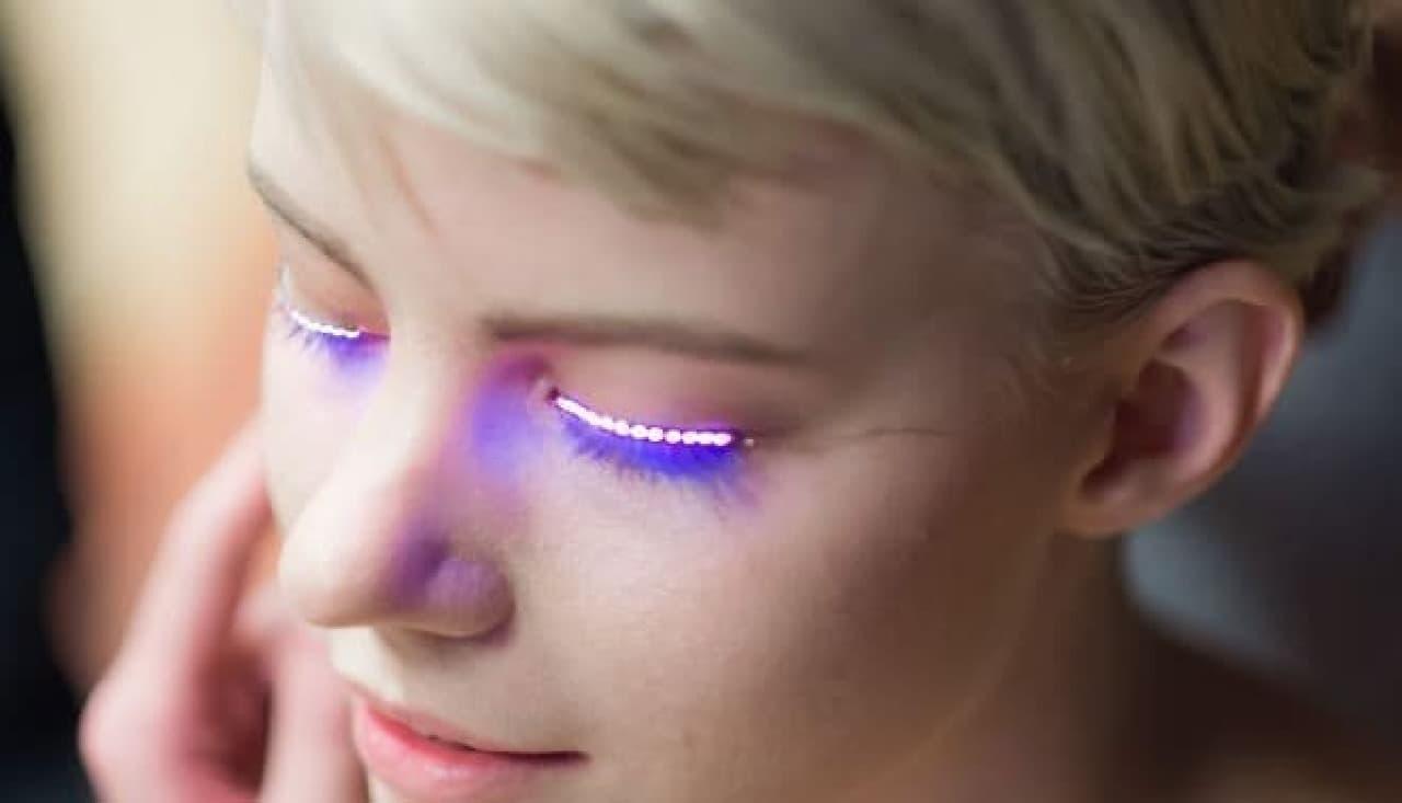 光るつけま「f.lashes」…LEDをつけまつる