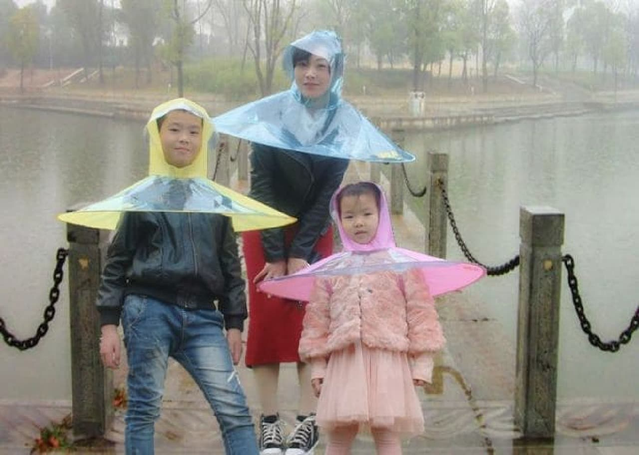 中国製の「アンブレラレインコート」が、日本製品テイストだと話題に