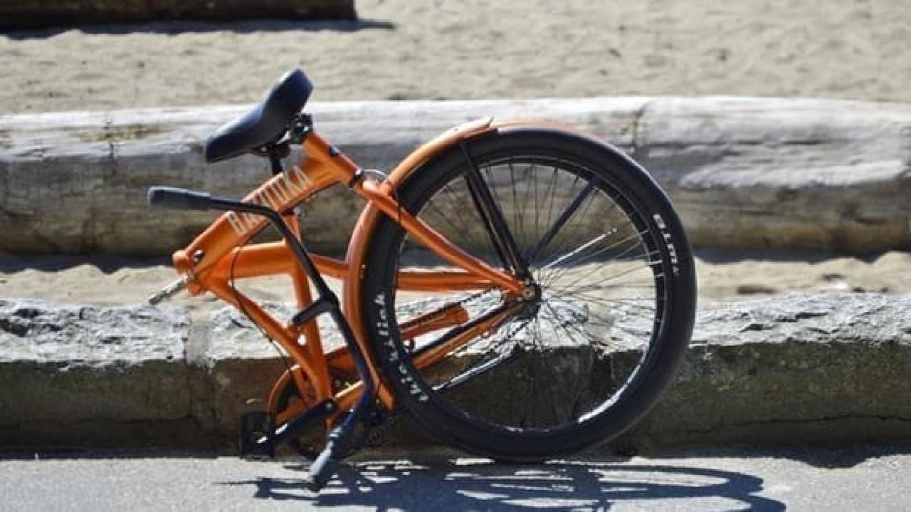 折り畳みビーチクルーザー「Bazooka California」
