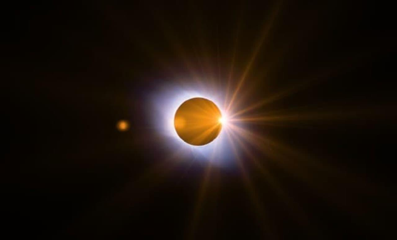 皆既日食をプラネタリウムで体験する「星のある風景」上映会