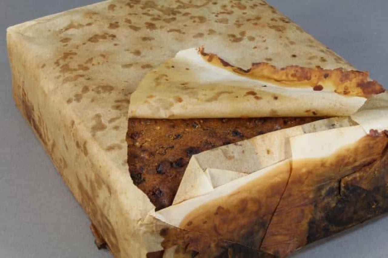 106年前のフルーツケーキ、発見される