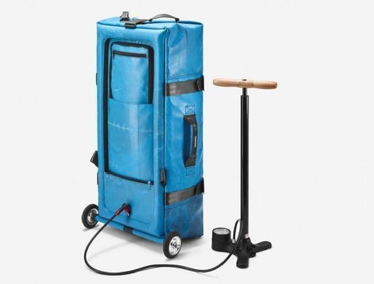 自転車用空気入れで膨らませるキャリーバッグ「ZIPPELIN」
