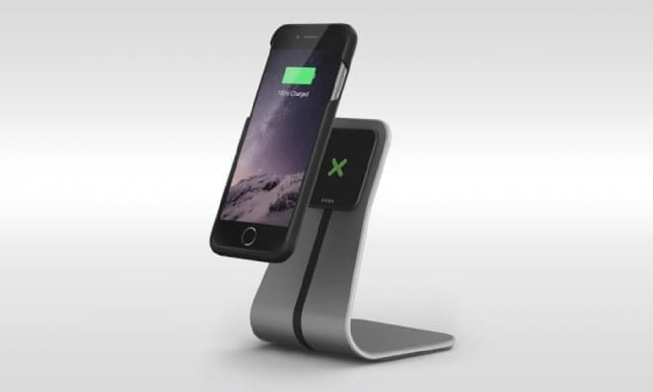 "iPhoneX、iPhone 8も""貼り付けるだけ充電"""