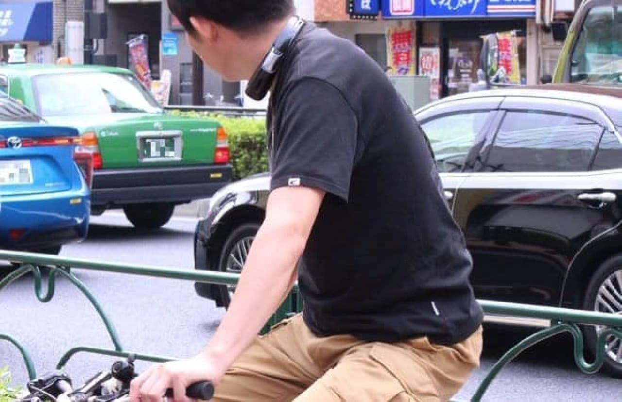 日本アンテナ製のネックスピーカーを使用