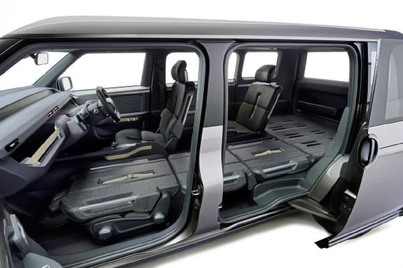 トヨタ、「Tj CRUISER(ティ・ジェイ・クルーザー)」の大開口スライドドア