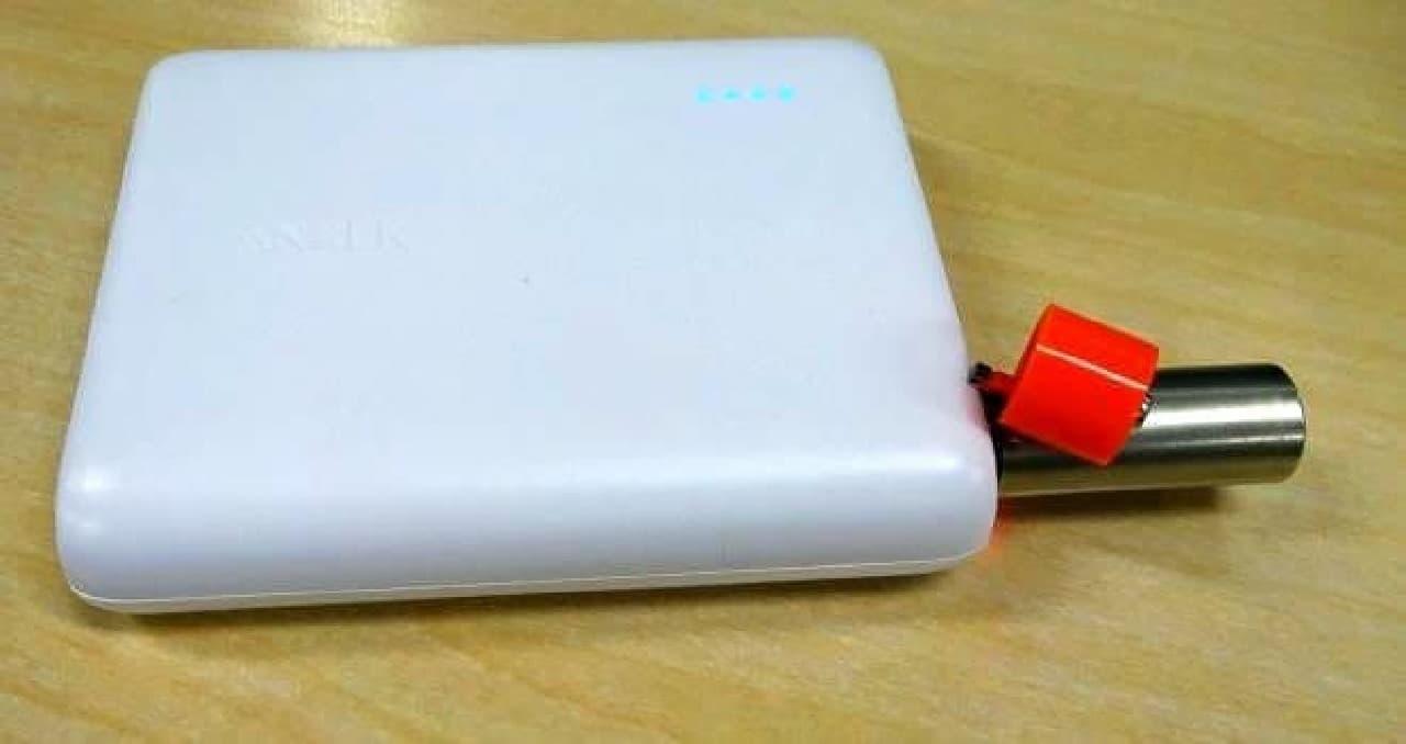 USBポートで充電できる乾電池タイプの充電池