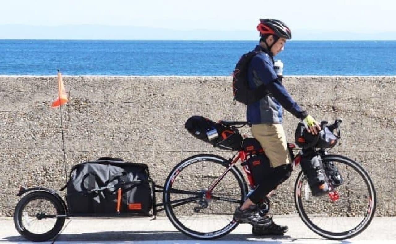 一輪の自転車用トレーラー「シングルホイールサイクルトレーラー」