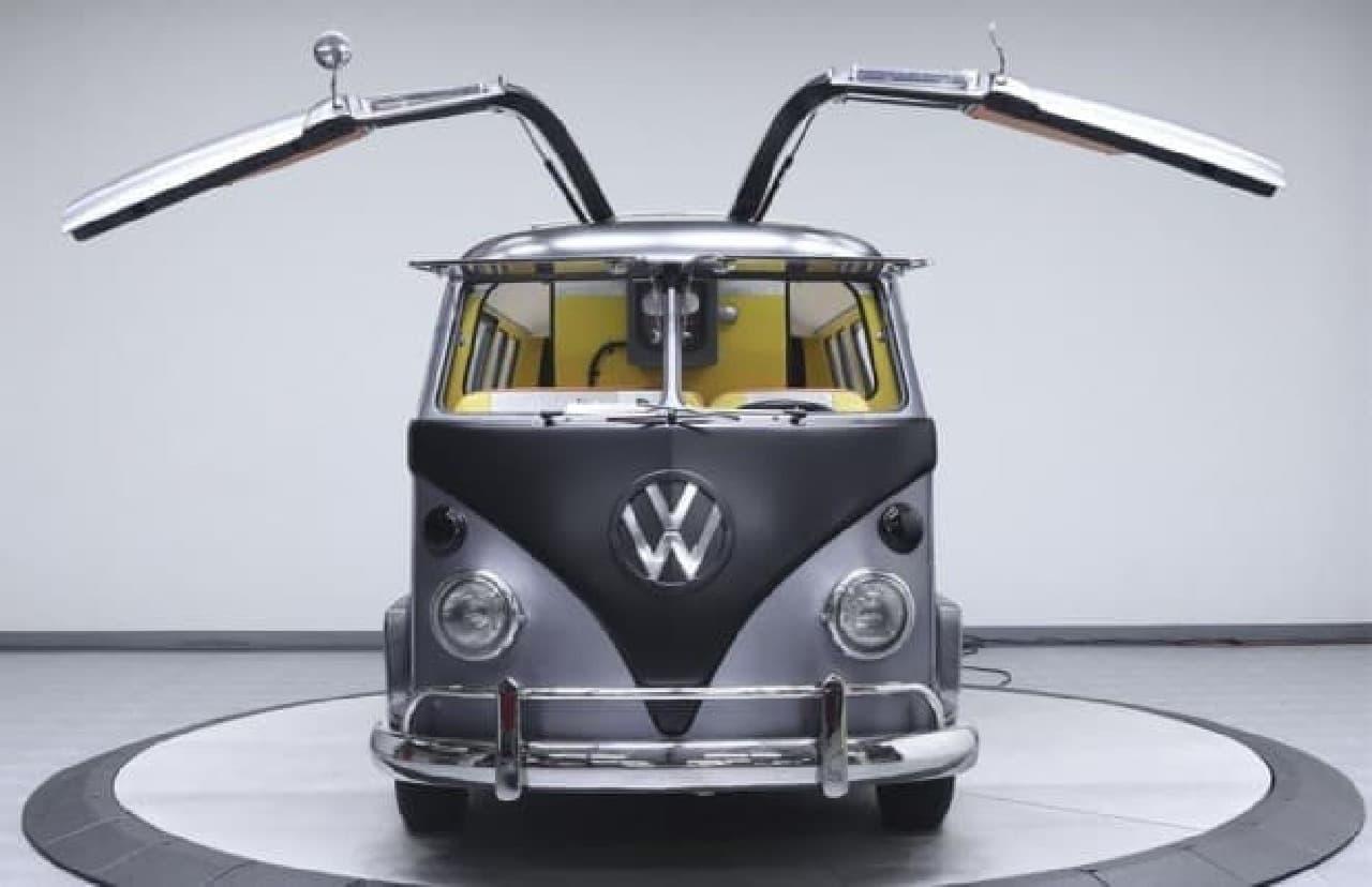 ガルウィングに改造されたフォルクスワーゲンバス「1967 Volkswagen Bus」