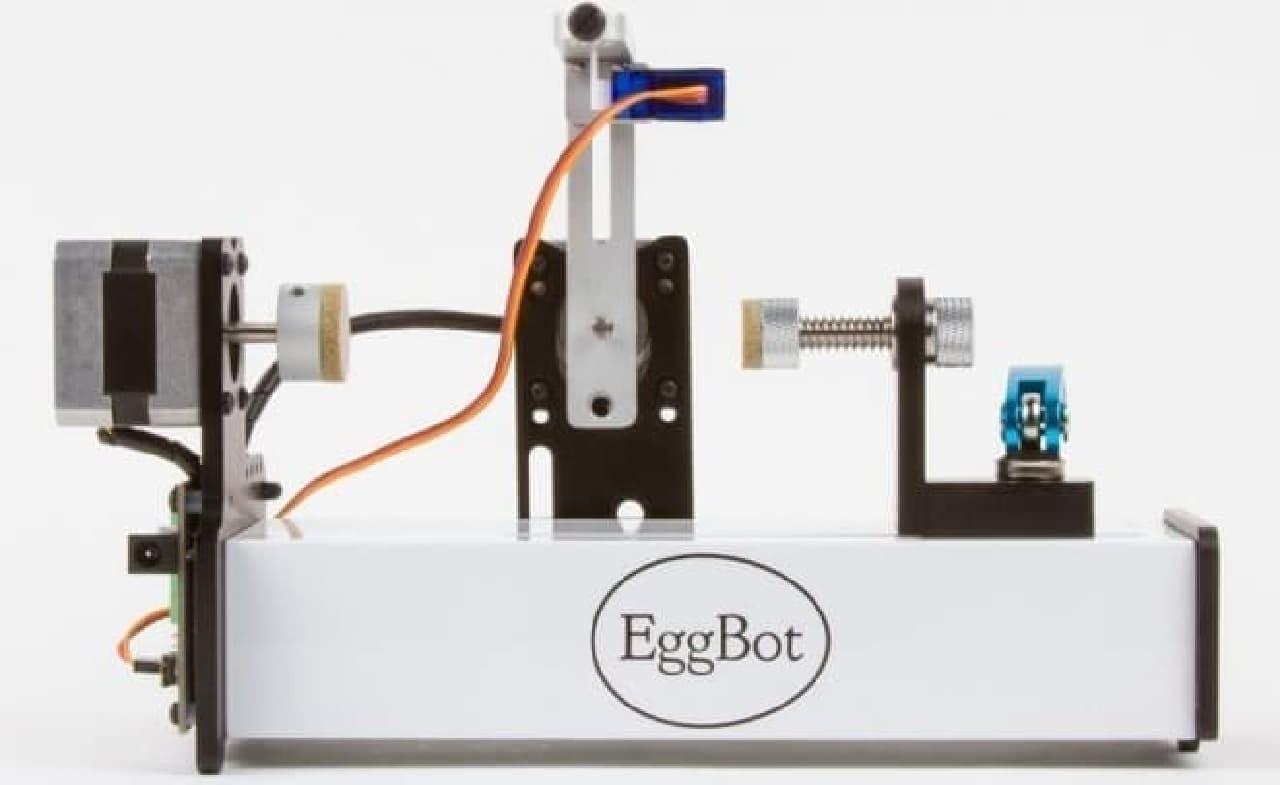 【4月1日はイースター】タマゴや電球やピンポン玉に絵を描く「EggBot Pro」