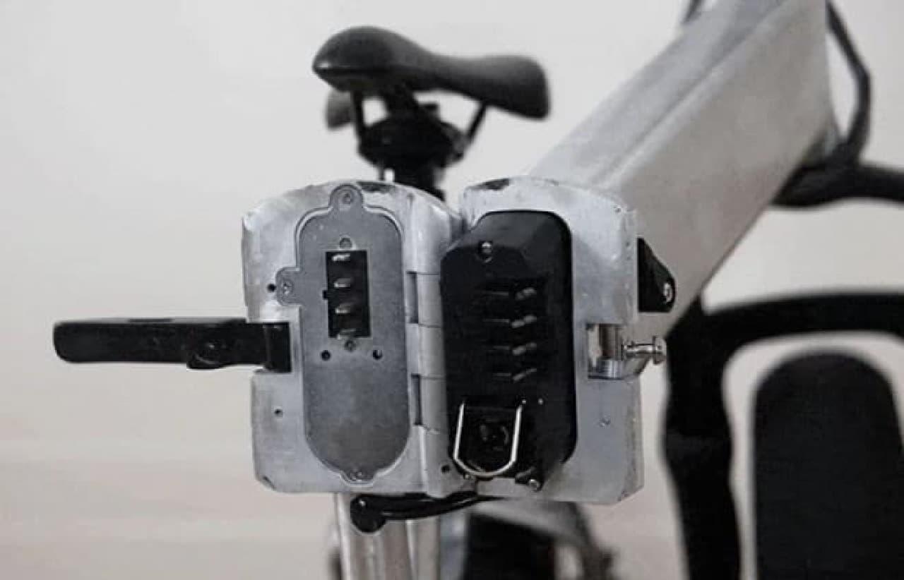 バッテリーを取り外すと22キロとなる。