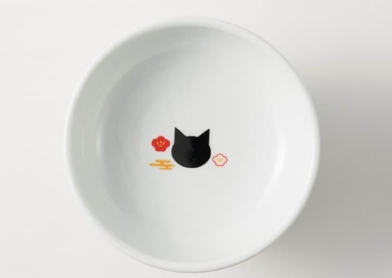 ネコのための食器 猫壱ハッピーダイニングシリーズに、新春向け「FUJI柄」登場