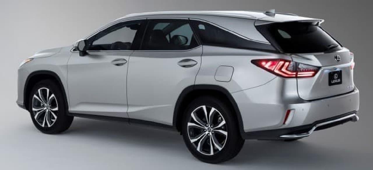 日本では、7人乗り仕様のRX450hL(AWD)が2017年12月に発売される予定。