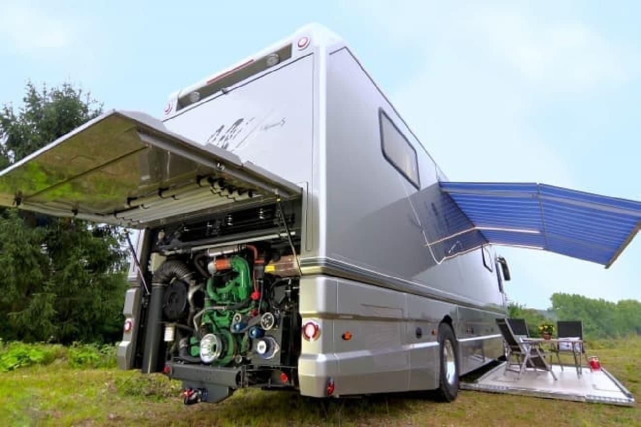 クルマを運べるキャンピングカー、Volkner Mobilの「Performance」