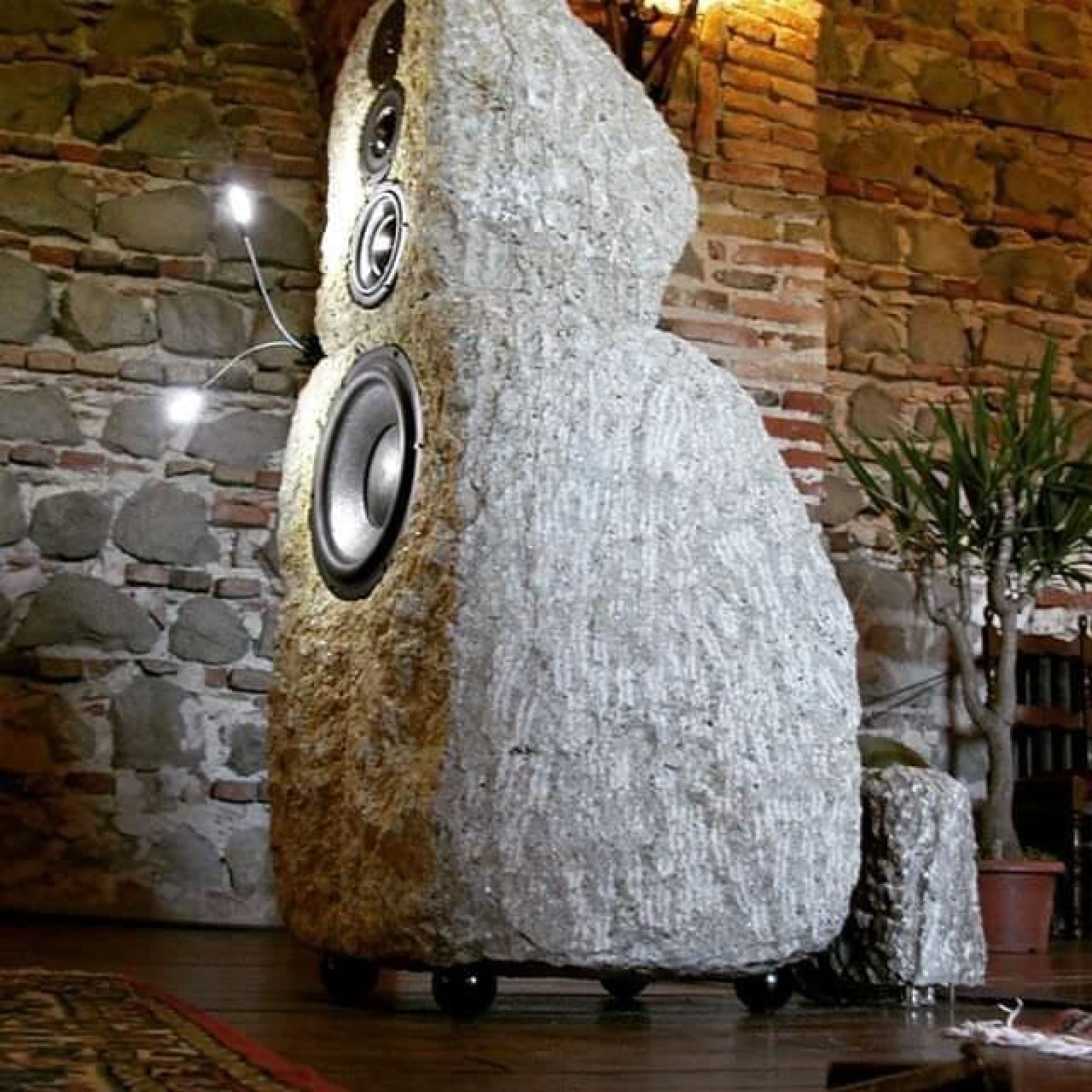 石でできたスピーカー「Stones Speakers」