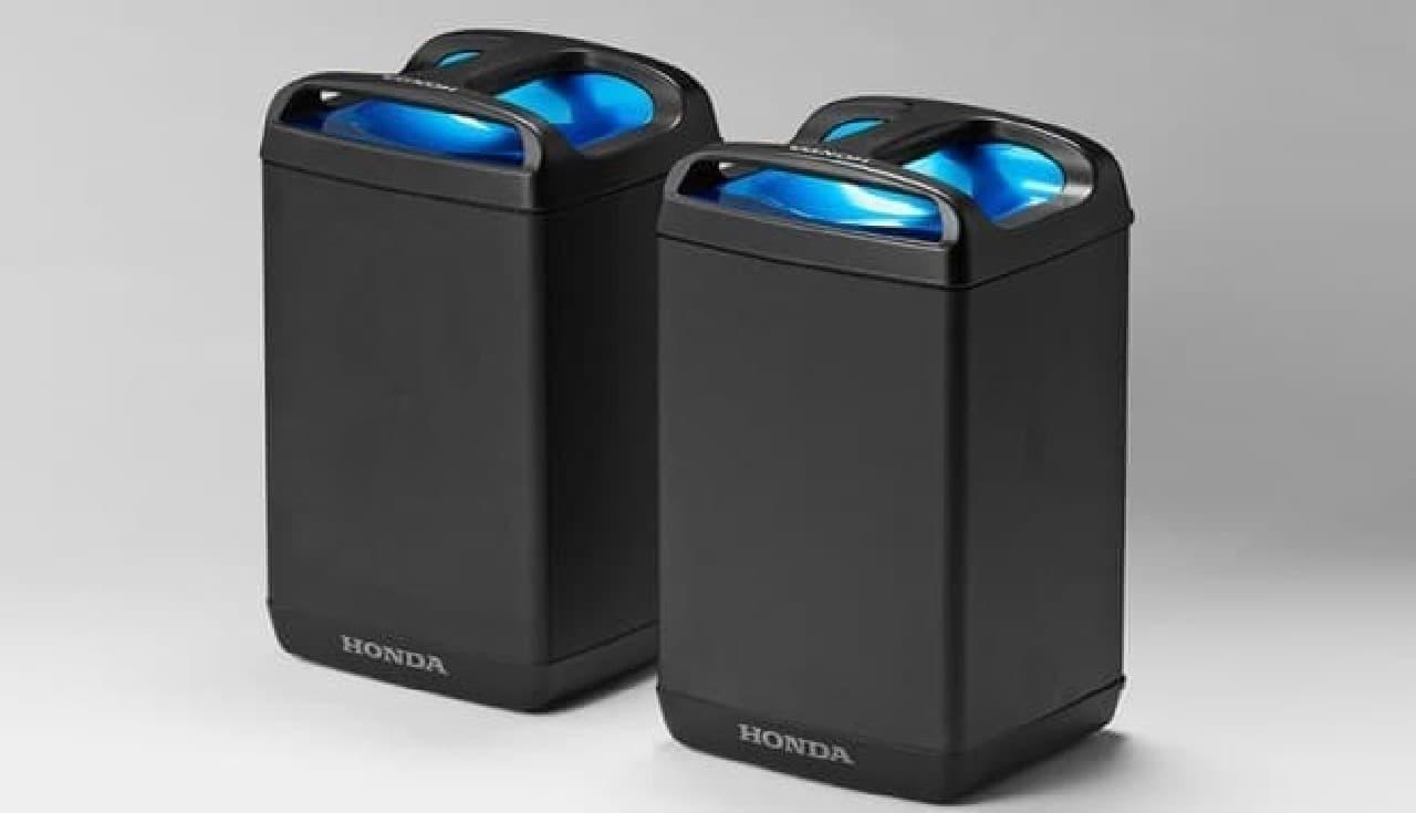 着脱可能な可搬式バッテリー「Honda Mobile Power Pack」