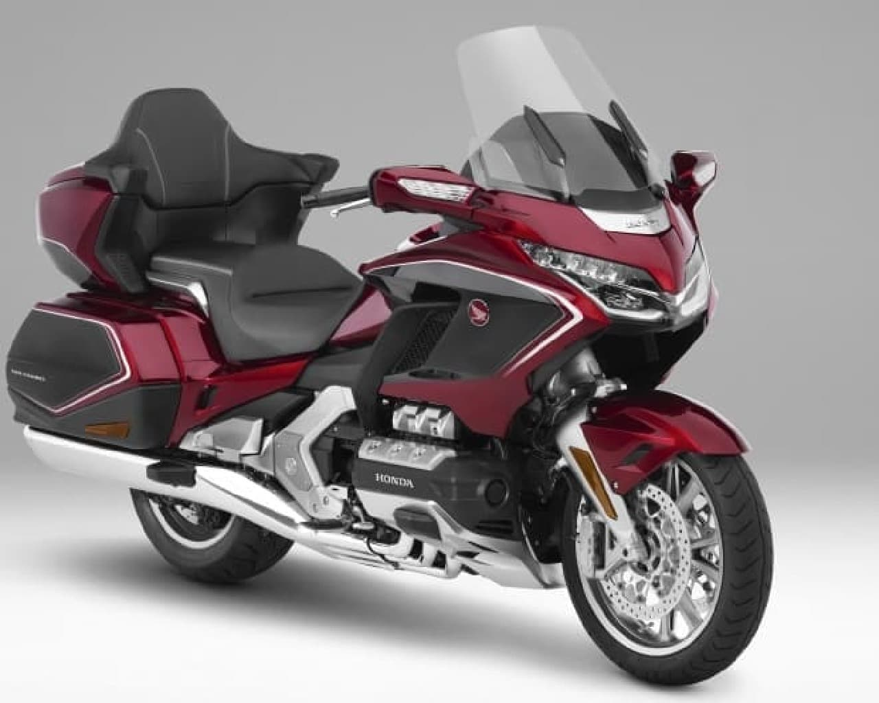 最上位モデル「Gold Wing Tour Dual Clutch Transmission<AIRBAG>」