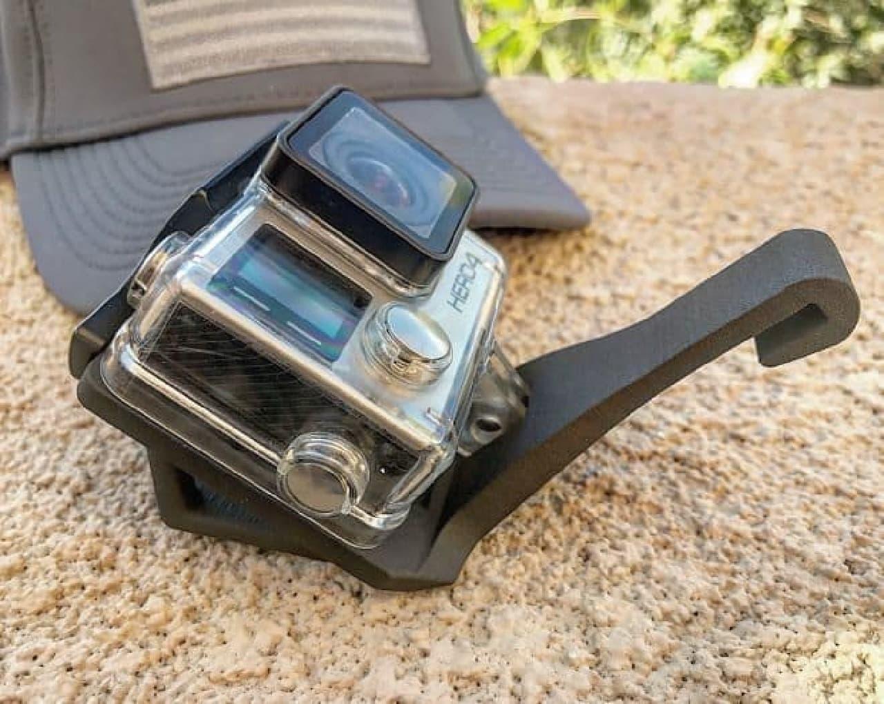 クリップとマジックテープでGoPro用を取り付ける「SIDEKICK Mounts」