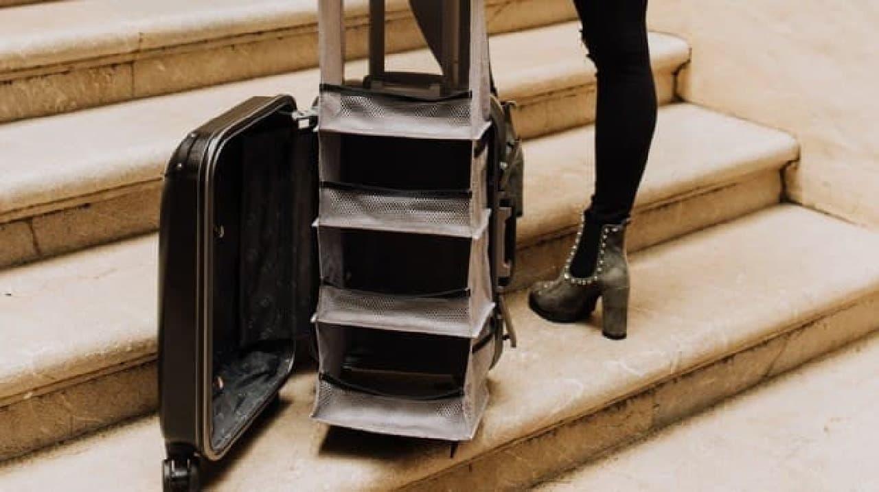 クローゼットを内蔵したキャリーケース「Lifepack: The Carry-On Closet」
