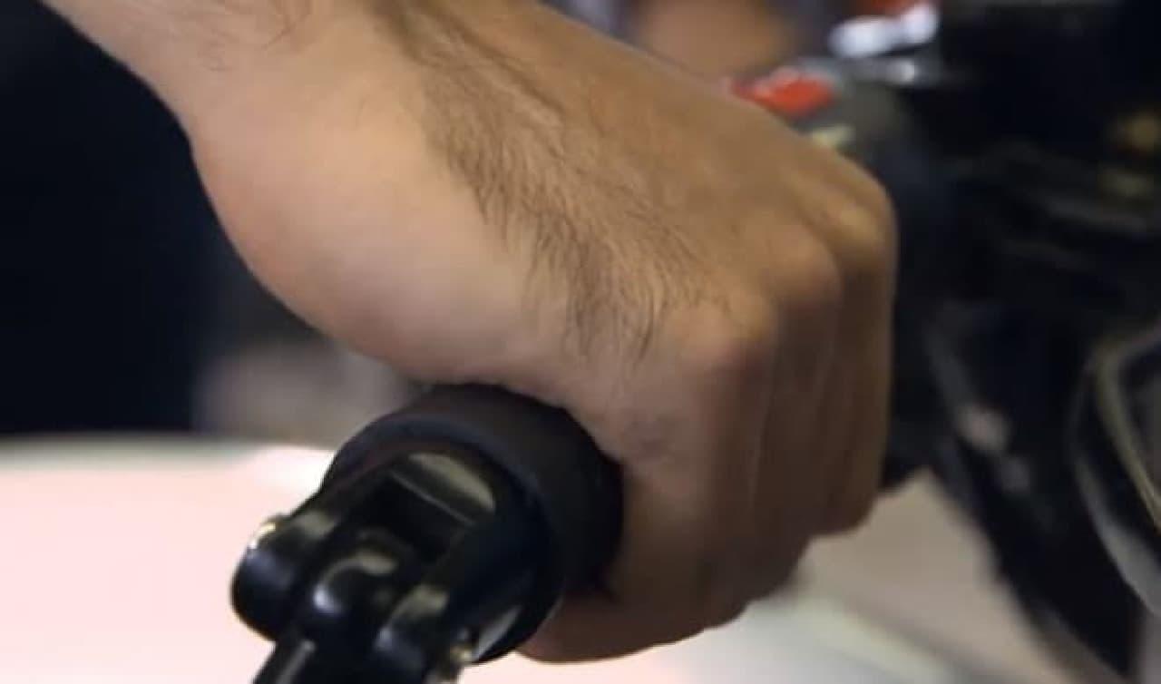 「Rumble」の最大の特徴は、やはり大口径スピーカー