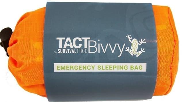 手のひらサイズの非常用寝袋Survival Frog「Tact Bivvy」 重さは約136グラム