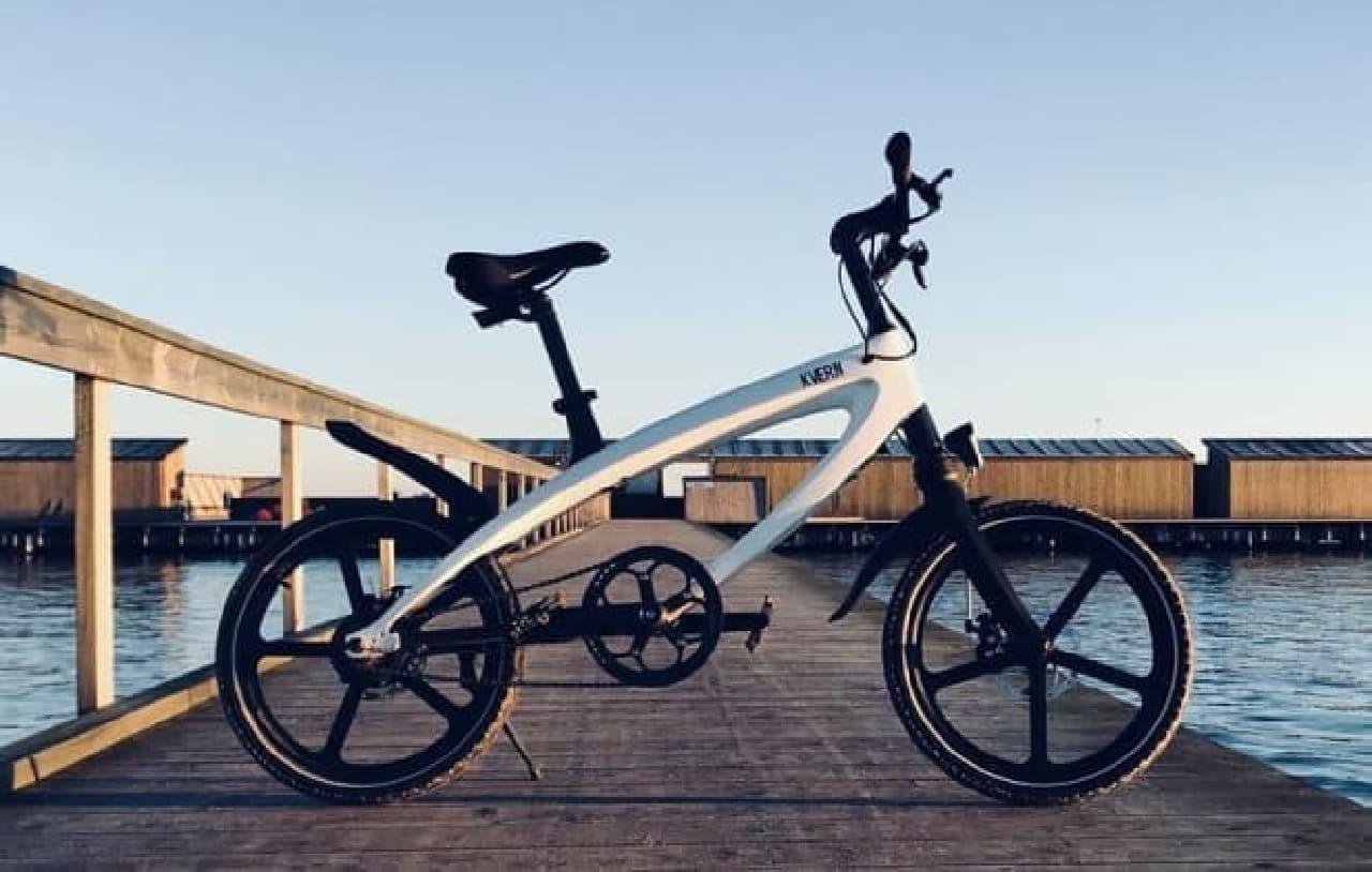ソーラーパワーで走る電動アシスト自転車「Kvaern」