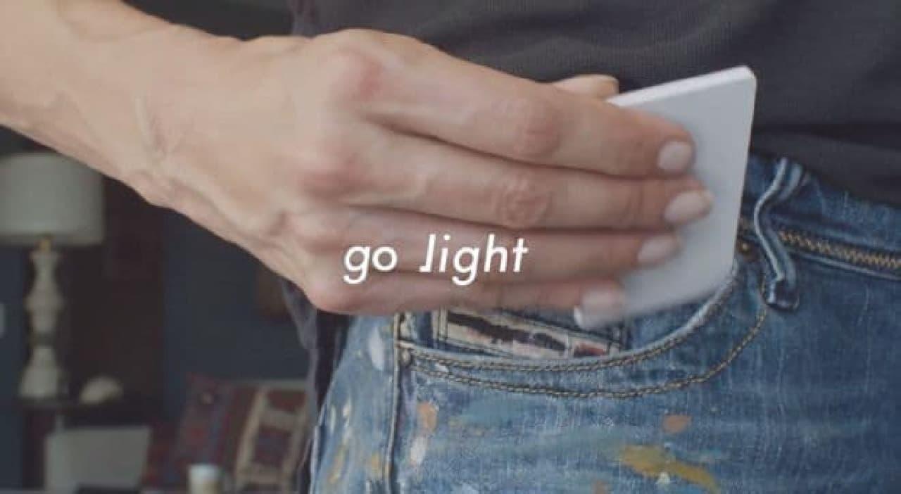 財布に入る携帯電話「Light Phone」が4G/LTEに対応して「Light Phone 2」に