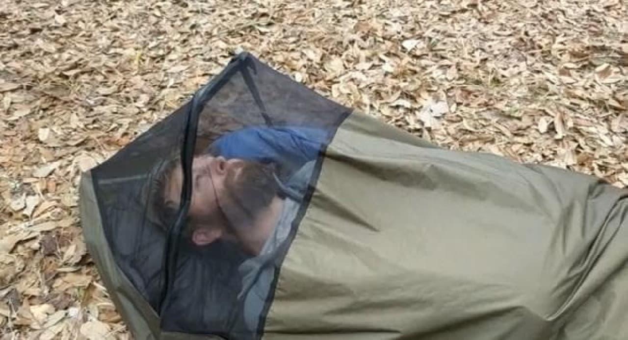 バックパックタイプのテント「BivyPack」