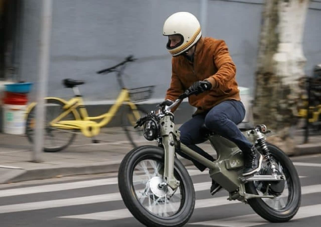 カブベースのカスタム電動バイク「eCub2」