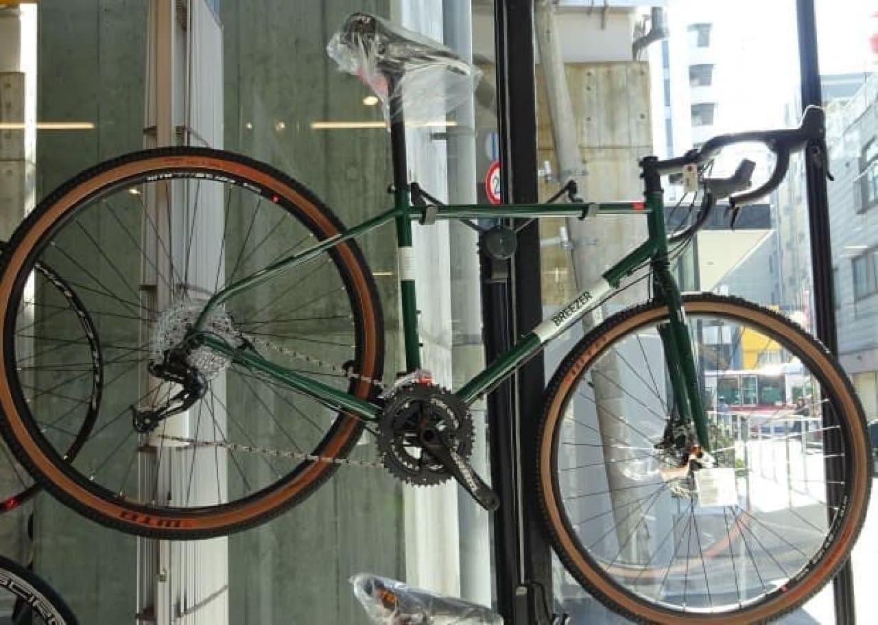 日本再上陸となる米国カリフォルニアの自転車メーカーBREEZERのロード/クロスバイク
