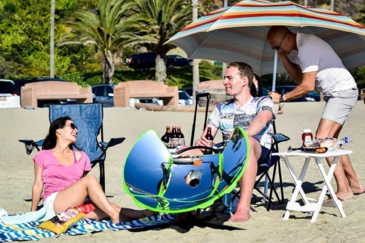 キャンプ用の太陽熱調理器「SolFource Sport」