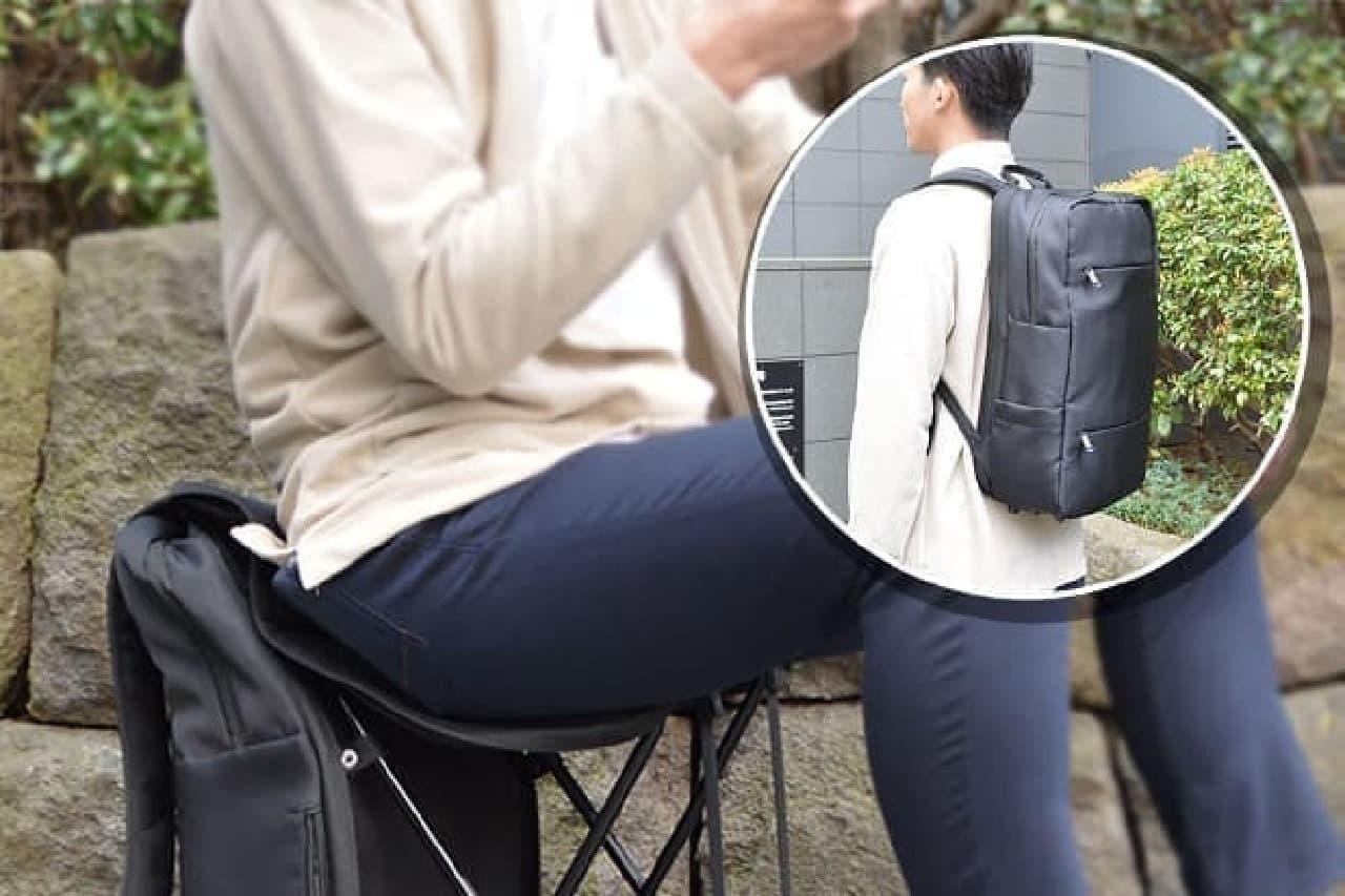 折りたたみイス内蔵バッグ「ぱっと変身!どこでも座れるリュックtall」